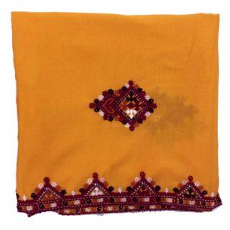 women sindhi shawl