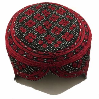 red sindhi topi