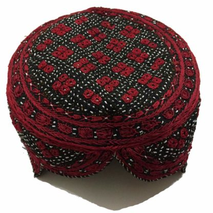 sindhi topi red and black