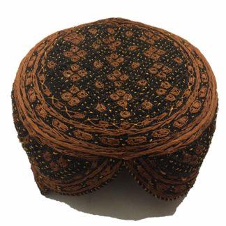 gloden black sindhi topi